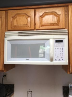 Kenmore microwave for Sale in Tucson, AZ