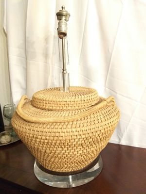 RATTAN DOUBLE buLB LamP - MODERN - WORKS PERFECTLY - 26X18 - MUST SEE - SERIOUS BUYERS - ONLY HAVE 1 EACH NOT PaiR $99 takes thiS uniqUE LamP for Sale in Avondale, AZ