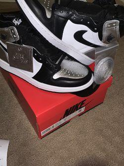 Women's Air Jordan High Og Silver Toe Size 6.5w for Sale in Atlanta,  GA