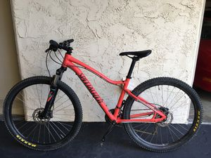 Excellent Condition 2017 Specialized JYNX SPORT 650B Women Mountain Bike for Sale in San Diego, CA