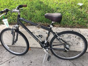 Schwinn bike NEED TO Reconnect brakes but beshides that it's fine LOCK COMES OFF ILL GIVE YOU CODE for Sale in Orlando, FL