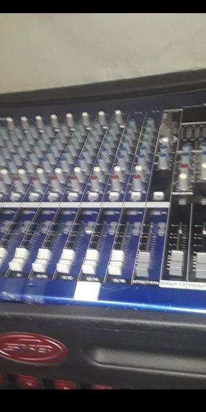 Blue mixer. case. amp700 .5 cd player. for Sale in Winter Haven, FL
