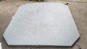 Cascade 79 in x 79 in hot tub cover. for Sale in Portland, OR