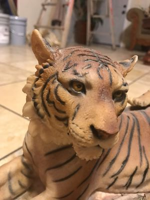 "Collectible Tiger Statue | Family of 3 | 11"" tall 18""wide for Sale in Phoenix, AZ"