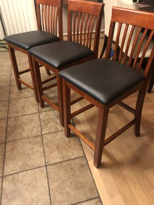 Brand new set of 3 barstools. 25inches from floor to seat. Retails for over $390 for Sale in Fowler, CA