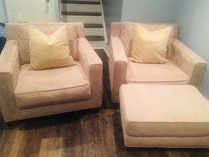 Set of oversized chairs+1 ottoman Crate&Barrel Teddy Bear for Sale in Philadelphia, PA