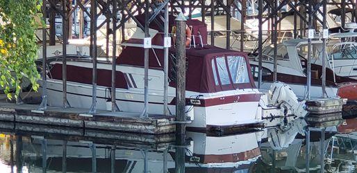 Cabin Cruiser Boat 30' for Sale in Maple Valley,  WA