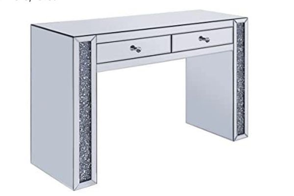 Brand new mirror table