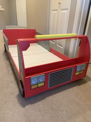 Fire Engine Toddler Bed for Sale in Redmond, WA