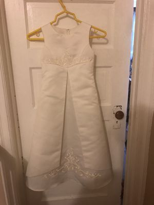 Flower girl dresses size 3T and 6T for Sale in Philadelphia, PA