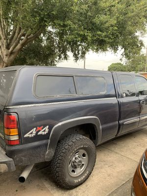 GMC/Chevy bed cover for Sale in New Port Richey, FL
