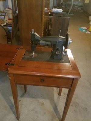 Kenmore Sewing Machine for Sale in Pittsburgh, PA