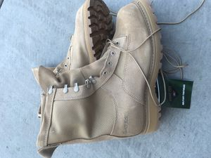 Working boots - Gor-Tex (temperate weather) for Sale in Chandler, AZ