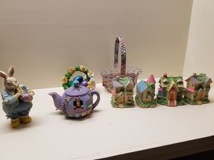 Decorative Easter Village (8 piece) for Sale in Jackson, MS