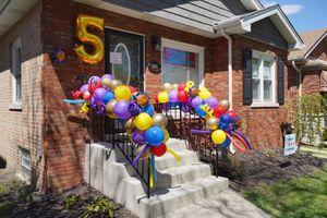 Balloon railing decor for Sale in Naperville, IL