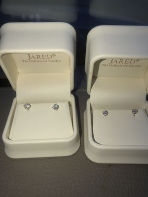 Diamond earrings from Jared for Sale in Ashburn, VA