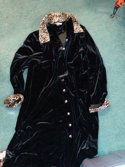 Ronni Nicole 2 Dress Size 18W for Sale in Lacon,  IL