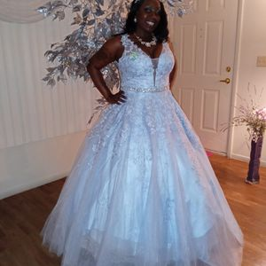Ballroom. Quinceanera. Wedding. Gala. Sequined Dress. Size Large for Sale in Las Vegas, NV