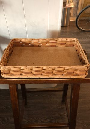 Pyrex serving dish holder/ basket for Sale in Austin, TX