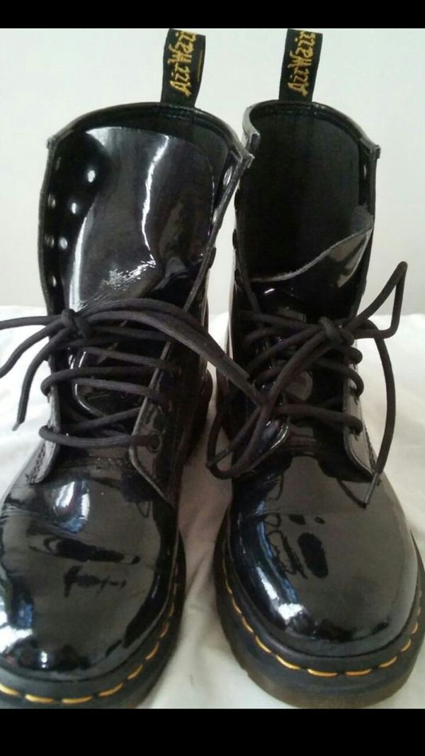Dr.Marten boots still like new (see pictures) size 7 mens (size 9 woman) $75 PRICE IS FIRM! buyer must come to me