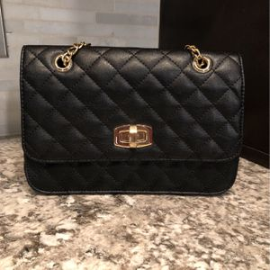 Black And Gold Women's Purse From Express for Sale in Houston, TX