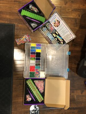 Rainbow loom with lots of extras for Sale in Manhattan, IL