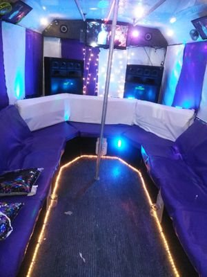 Ford 450 v10 custom party bus for Sale in Alameda, CA