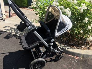 Great condition Bugaboo chameleon 3 with foot muff and other accessories for Sale in San Jose, CA