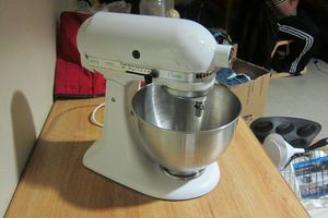 Kitchen aid mixer for Sale in Salt Lake City, UT
