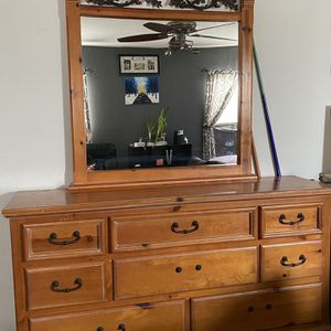Dresser, Mirror And Nightstand for Sale in Albuquerque, NM