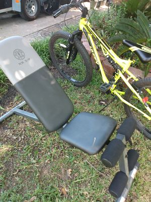Gold gym weight bench for Sale in Grand Prairie, TX