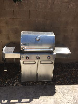 Weber genesis s-310 3 burner grill for Sale in Modesto, CA