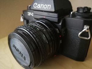 Canon F1 with flash and 2 lenses for Sale in Thousand Oaks, CA