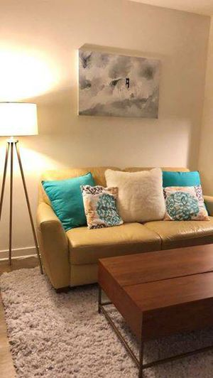 Leather couch - excellent condition for Sale in San Francisco, CA