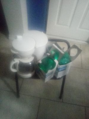 Three bulbs one stool and one coffee pot for Sale in Phoenix, AZ