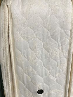 Used KING Sealy Double Pillowtop Mattress and split box springs — REDUCED! for Sale in Arlington,  VA