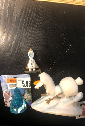 Aquarium/fish tank decorations (Frozen) for Sale in Orlando, FL