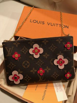 LV POCHETTE Double Zip Crossbody bag for Sale in Beverly Hills, CA
