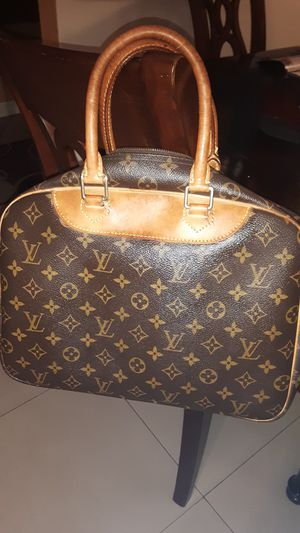 Louis Vuitton vanity hand bag for Sale in San Diego, CA