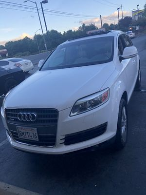 2007 Audi Q7 white only $8000 testing the waters for Sale in Sacramento, CA