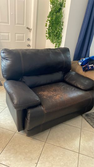 Reclining Leather Chair for Sale in Lake Worth, FL