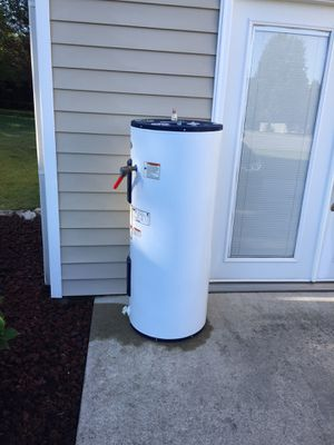 Hot Water Heater 50 Gallon for Sale in Cleveland, TN