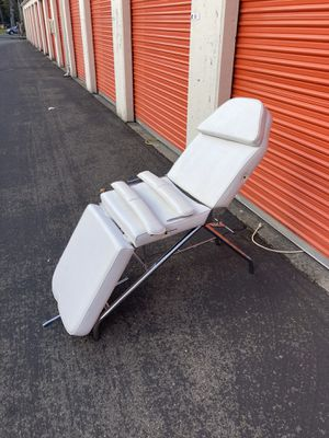 Esthetician // Salon // Professional Chair for Sale in Lakewood, WA