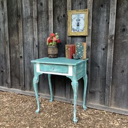 """Shabby Chic"" Vintage Table for Sale in Hillsboro,  OR"