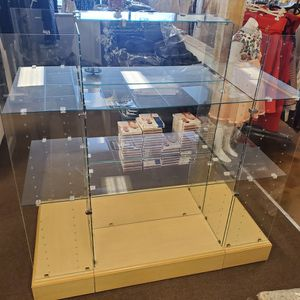 Show Case Display for Sale in Troy, MI