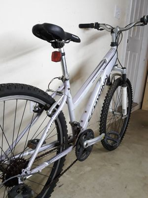 21 speeds bike / bicicleta de 21 velocidades for Sale in Chino Hills, CA