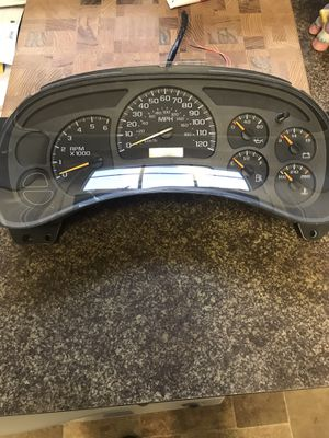 2004 silverado / suburban instrument cluster for Sale in Gaithersburg, MD