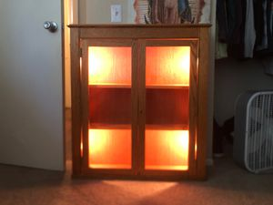 Small Shelf And Displayer With Lights for Sale in Victorville, CA