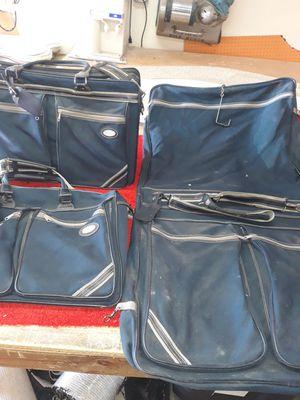 3 piece luggage set, Oleg Cassini for Sale in Lancaster, TX
