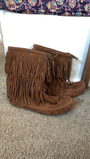 Hippie Fringe Moccasin Boots Size 9 for Sale in Lake Elsinore, CA
